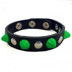 bracciale cono verde con bottoni e rivetti